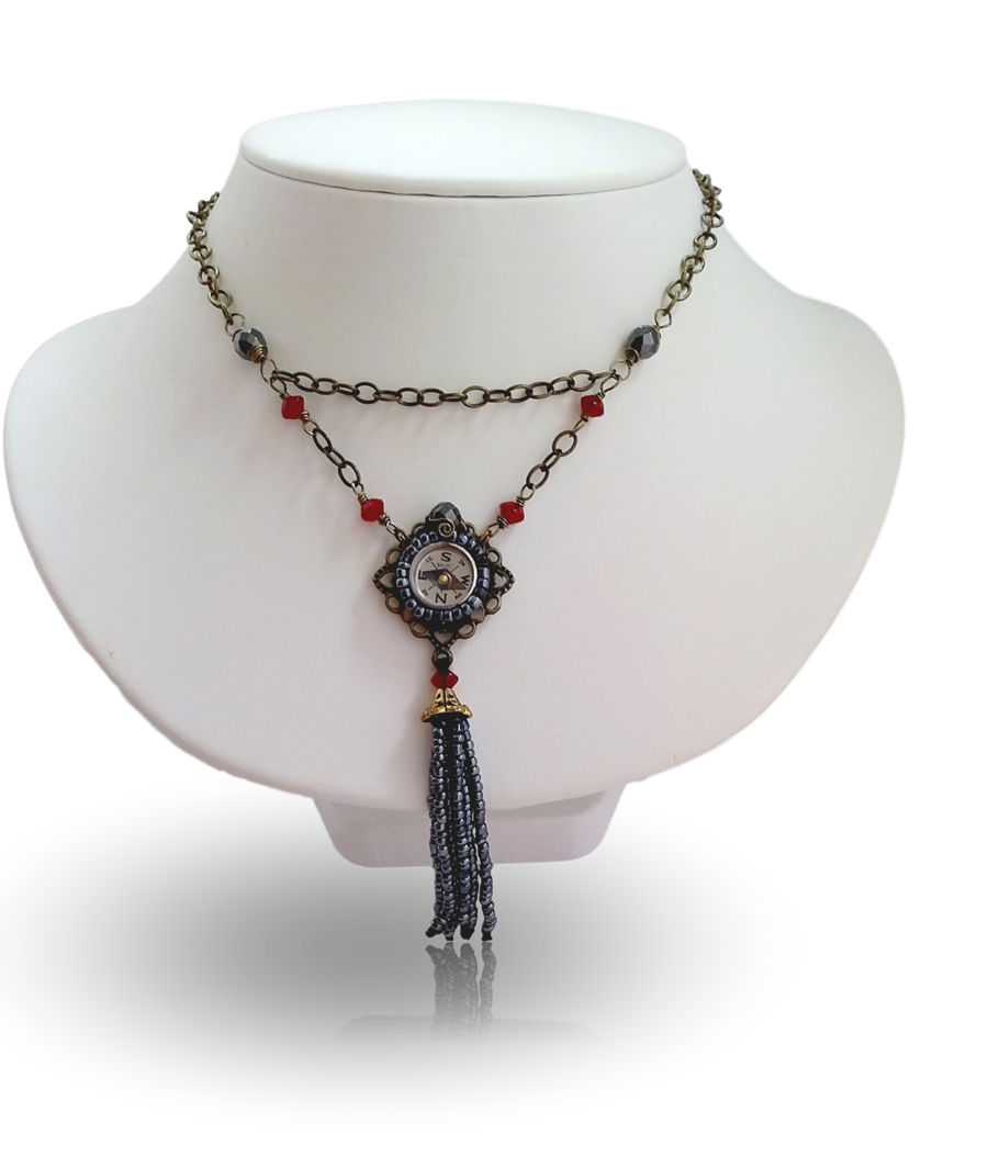 20170128_115024 Vintage Ruby Compass Necklace _clipped_rev_2