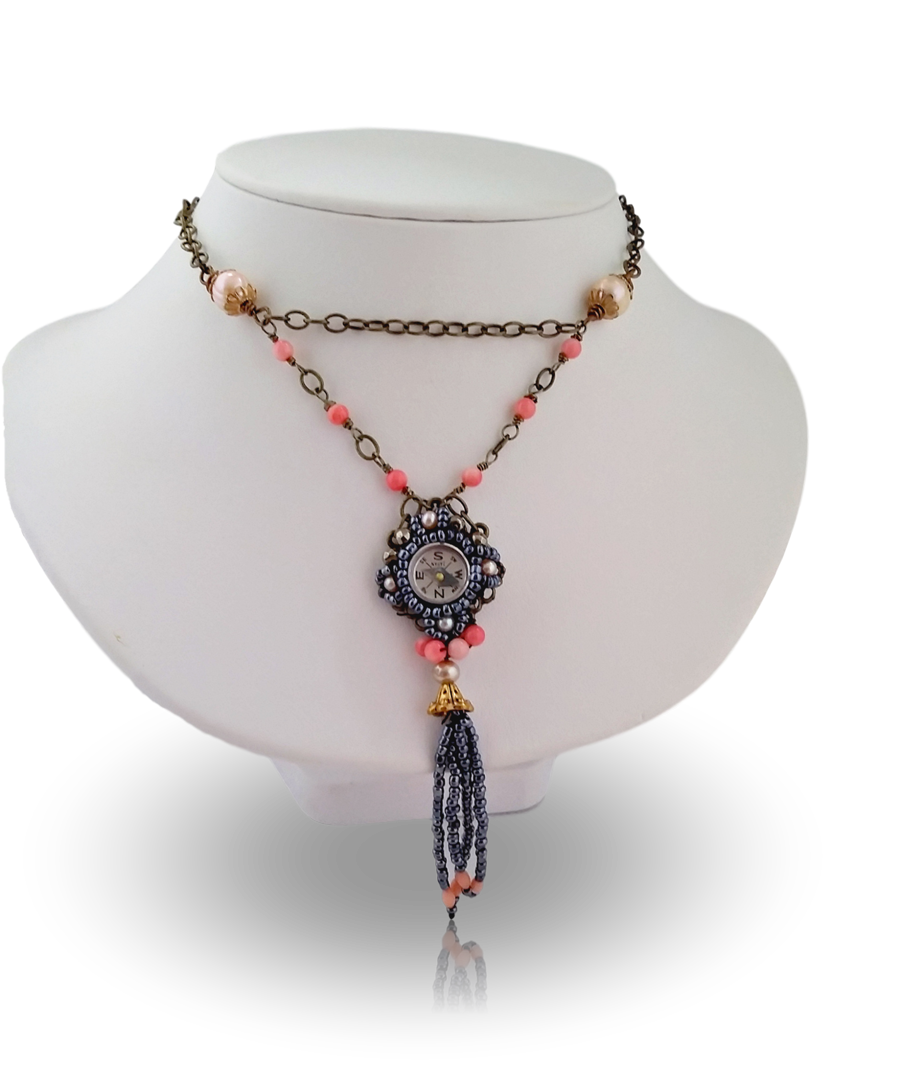 20170128_120631 Coral Comapass Necklace_clipped_rev_3